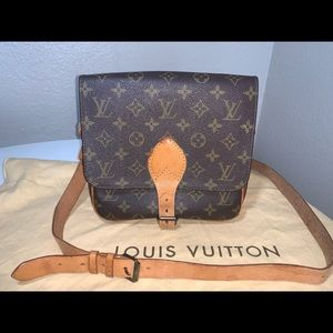 Authentic Louis Vuitton cartouchiere mm crossbody